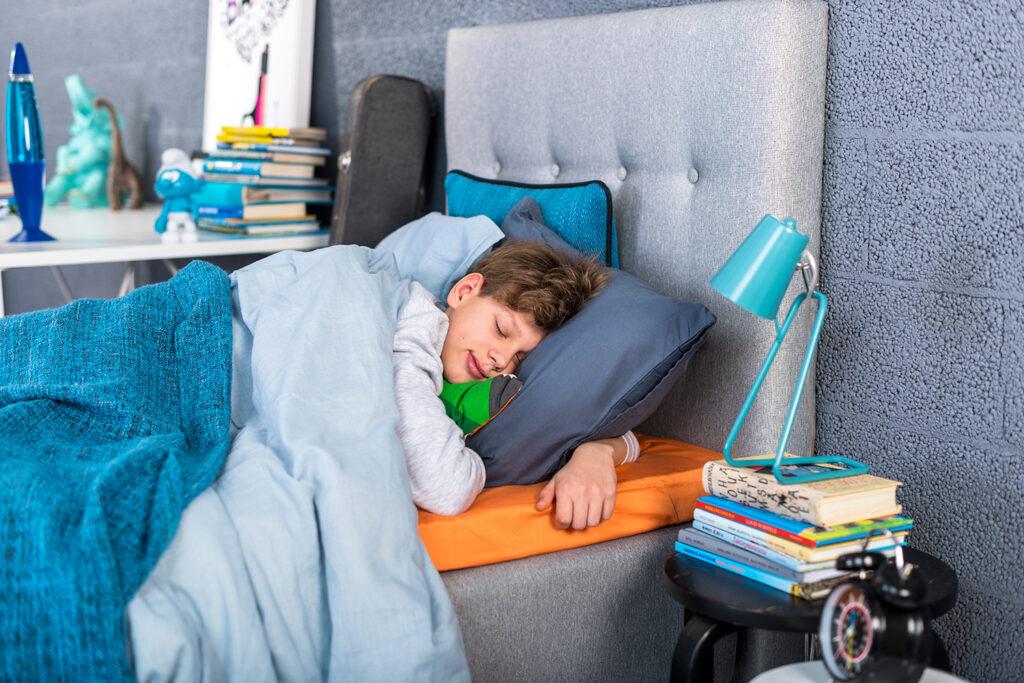 uni-sleepwell-vedrumadrats-madrats-kontinentaalvoodi-voodi